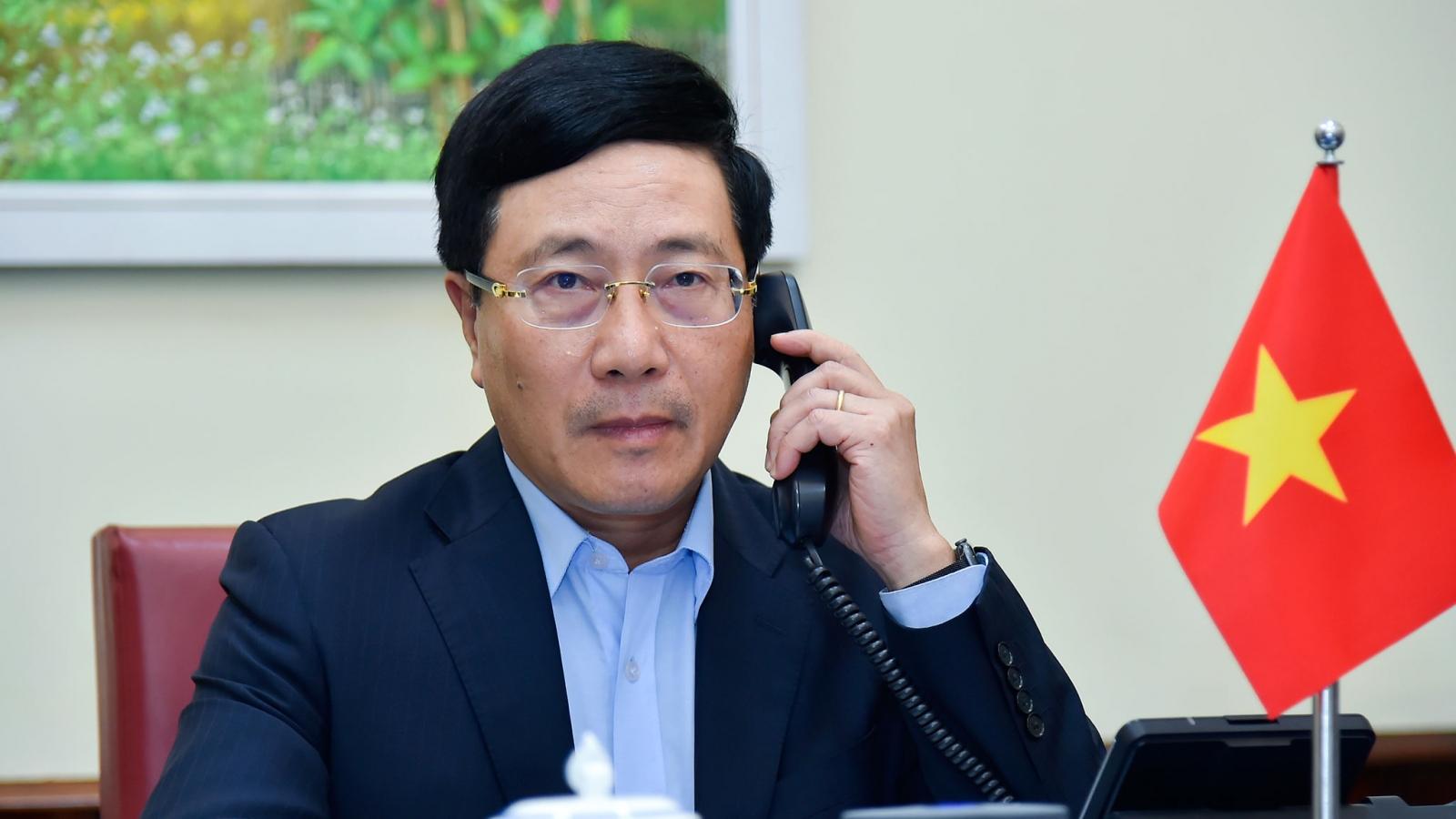 PTT, Bộ trưởng Ngoại giao Phạm Bình Minh điện đàm với Bộ trưởng Ngoại giao Maldives