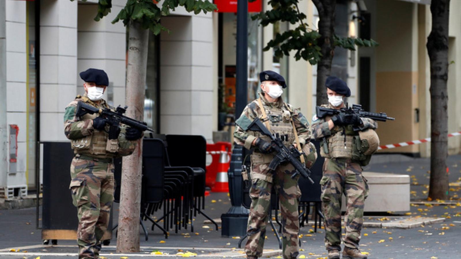 5 năm sau vụ tấn công ở Paris, nước Pháp tiếp tục tuyên chiến với khủng bố