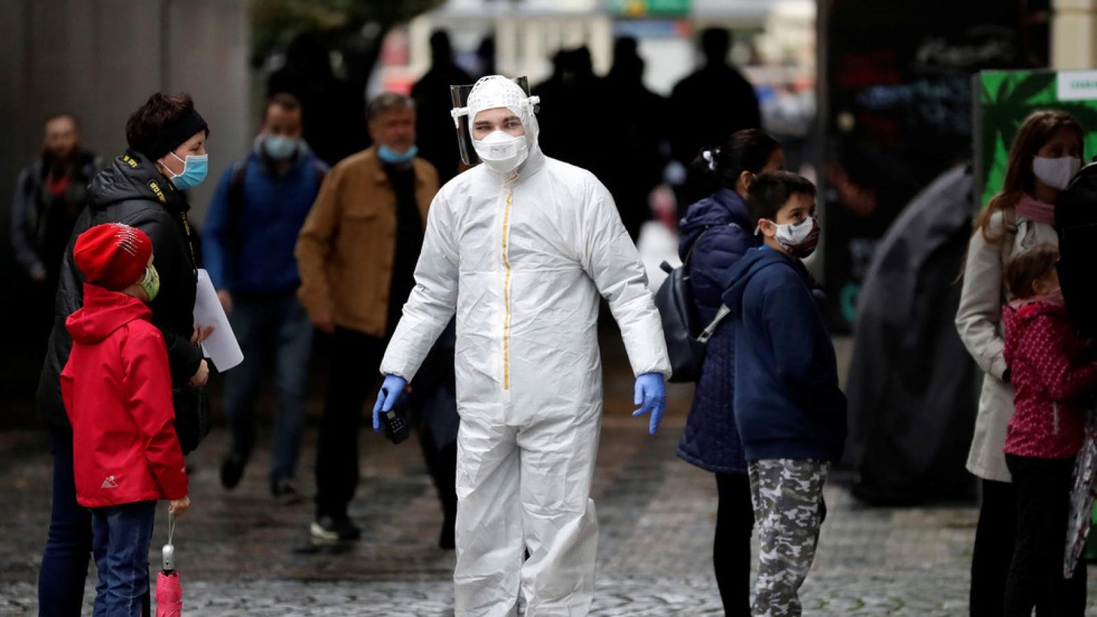 Cộng hòa Séc ban bố tình trạng khẩn cấp từ hôm nay để chống dịch Covid-19