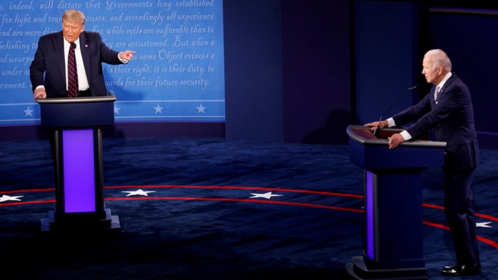 Tranh luận lần cuối trước bầu cử Mỹ: Cơ hội bứt phá về đích của 2 ứng viên