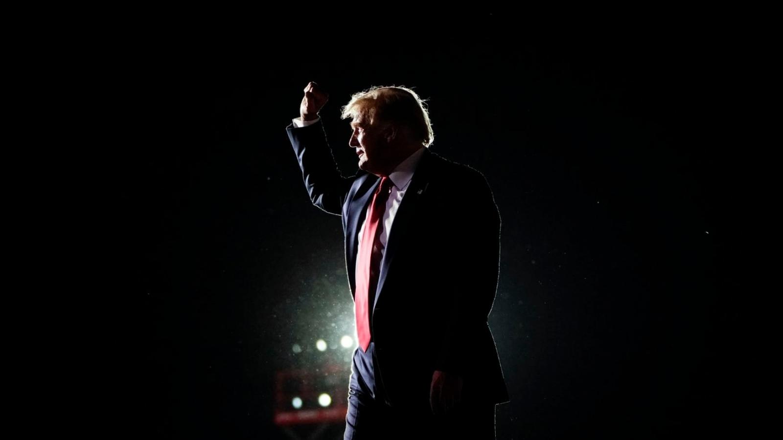 Tiết lộ lý do ông Trump tự tin sẽ thắng cử và mở cửa nền kinh tế
