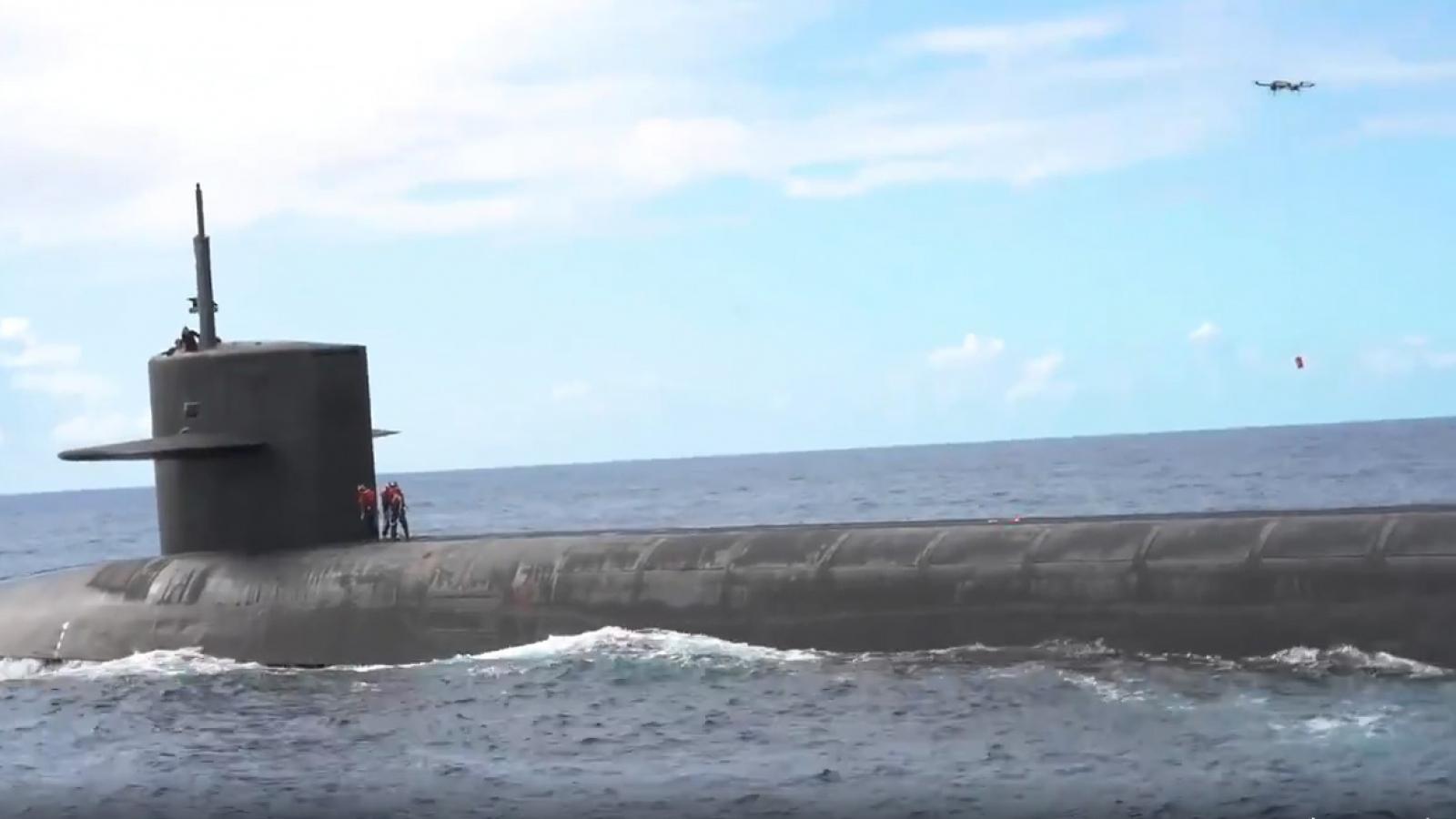 Mỹ thử nghiệm dùng UAV tiếp tế cho tàu ngầm