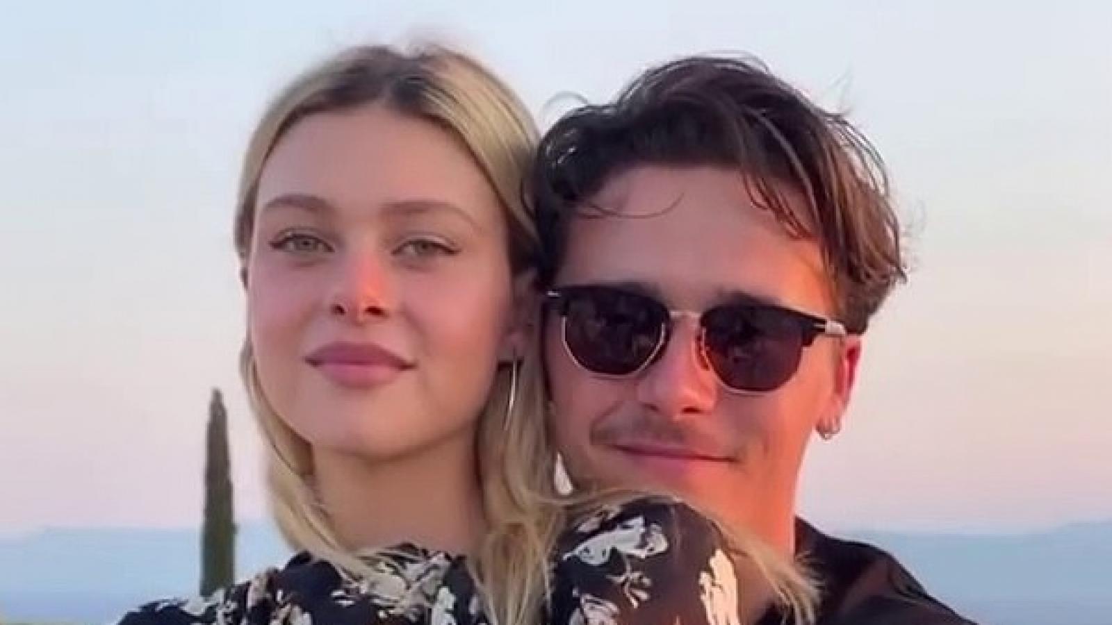 Con trai David Beckham và bạn gái xinh đẹp quyết định hoãn cưới?
