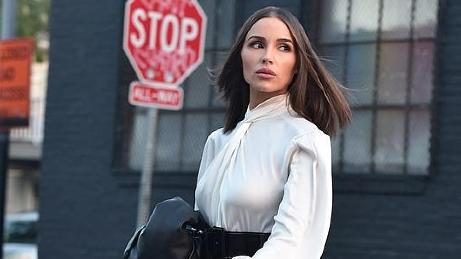 Hoa hậu Olivia Culpo đẹp cuốn hút trong buổi chụp hình quảng cáo