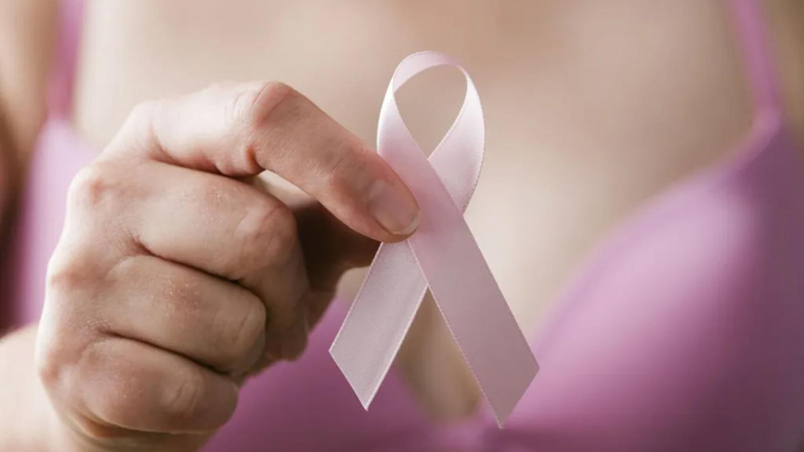 6 dấu hiệu cảnh báo sớm ung thư vú không nên bỏ qua