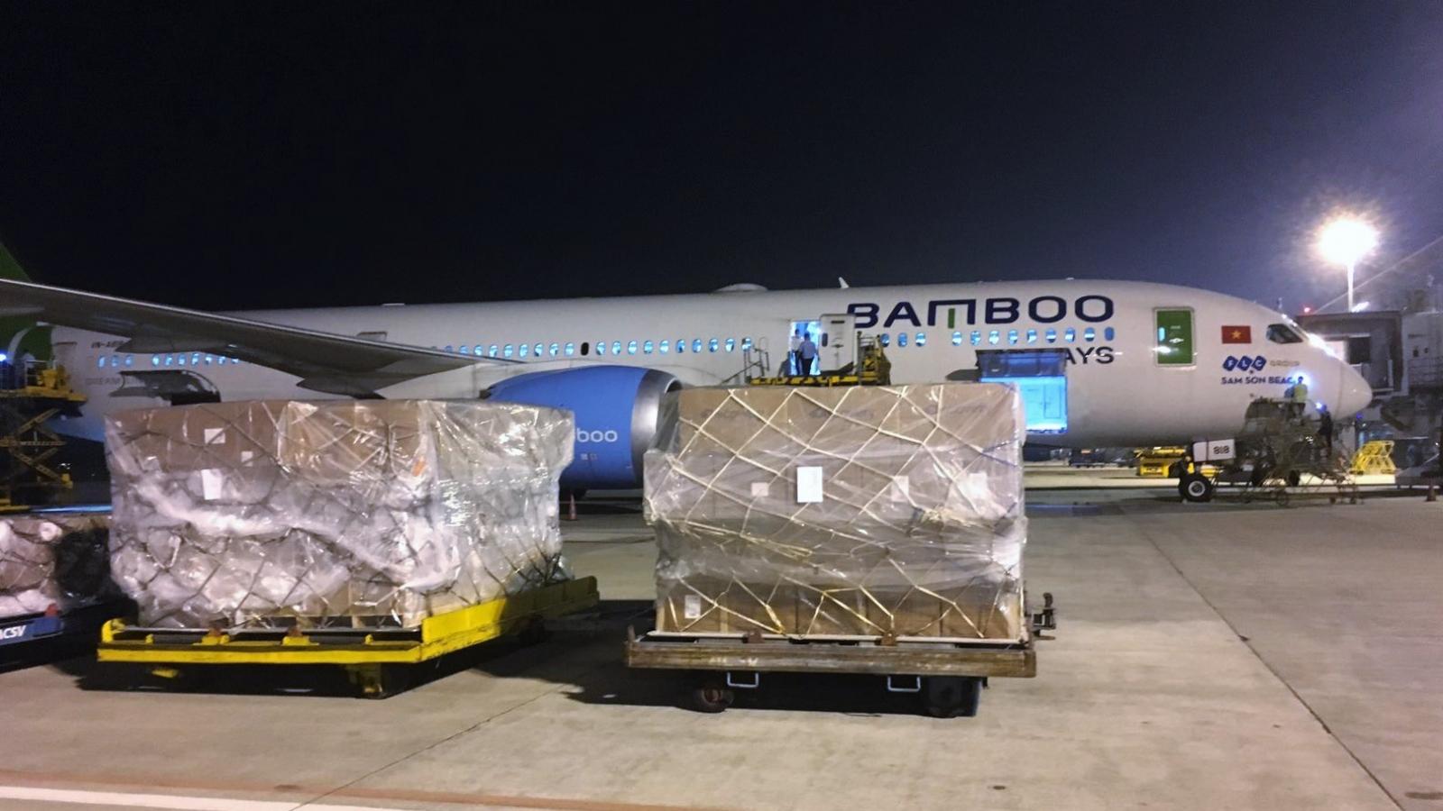 Bamboo Airways tặng vé tổ chức, cá nhân hoạt động thiện nguyện hỗ trợ đồng bào bị lũ lụt
