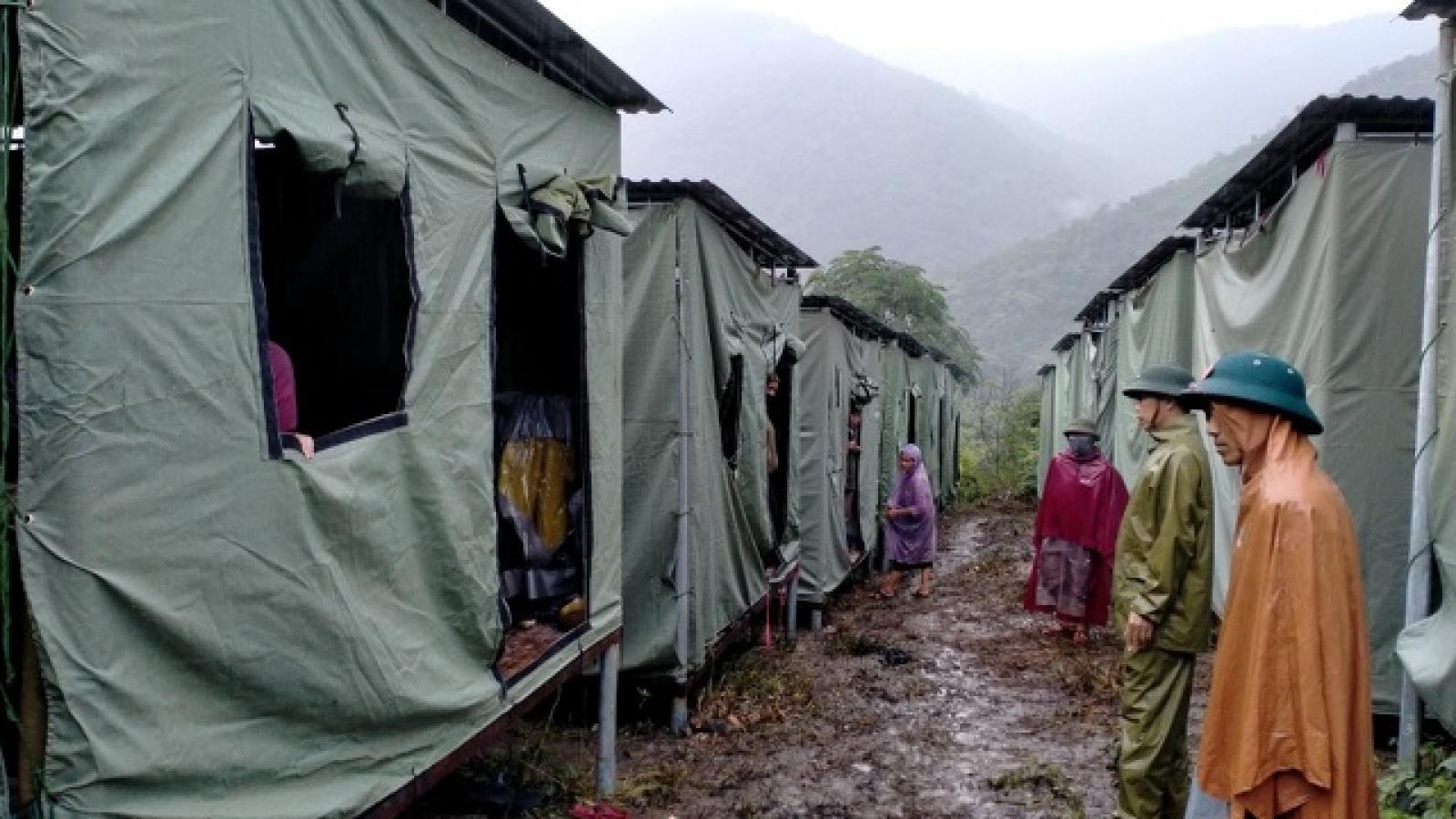 Huyện miền núi Nghệ An sơ tán cả ngàn dân để tránh sạt lở