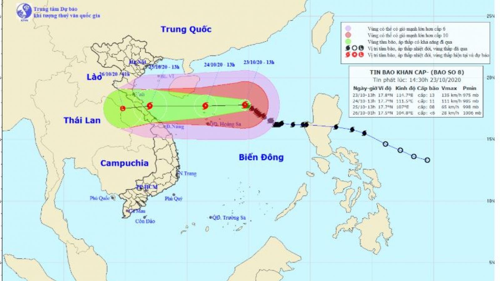 Bão số 8 giật cấp 15 còn cách quần đảo Hoàng Sa khoảng 280km