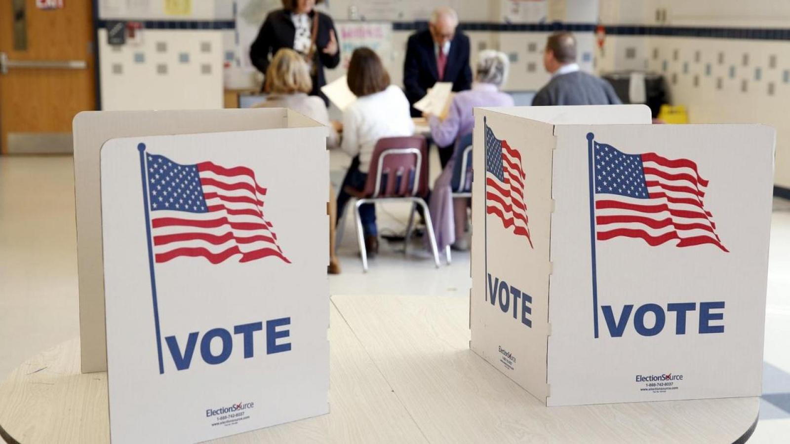 Hơn 10 triệu cử tri Mỹ đã đi bỏ phiếu bầu Tổng thống