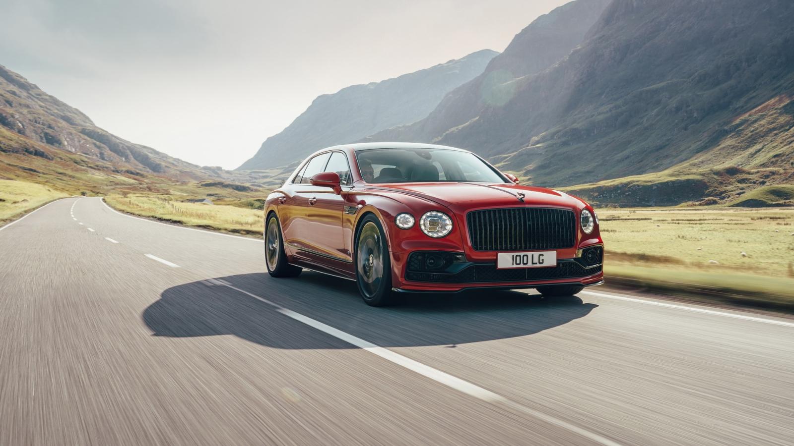 Bentley ra mắt sedan siêu sang Flying Spur V8