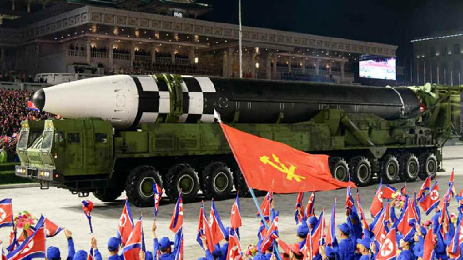 Triều Tiên duyệt binh quy mô lớn kỷ niệm 75 năm thành lập Đảng Lao động