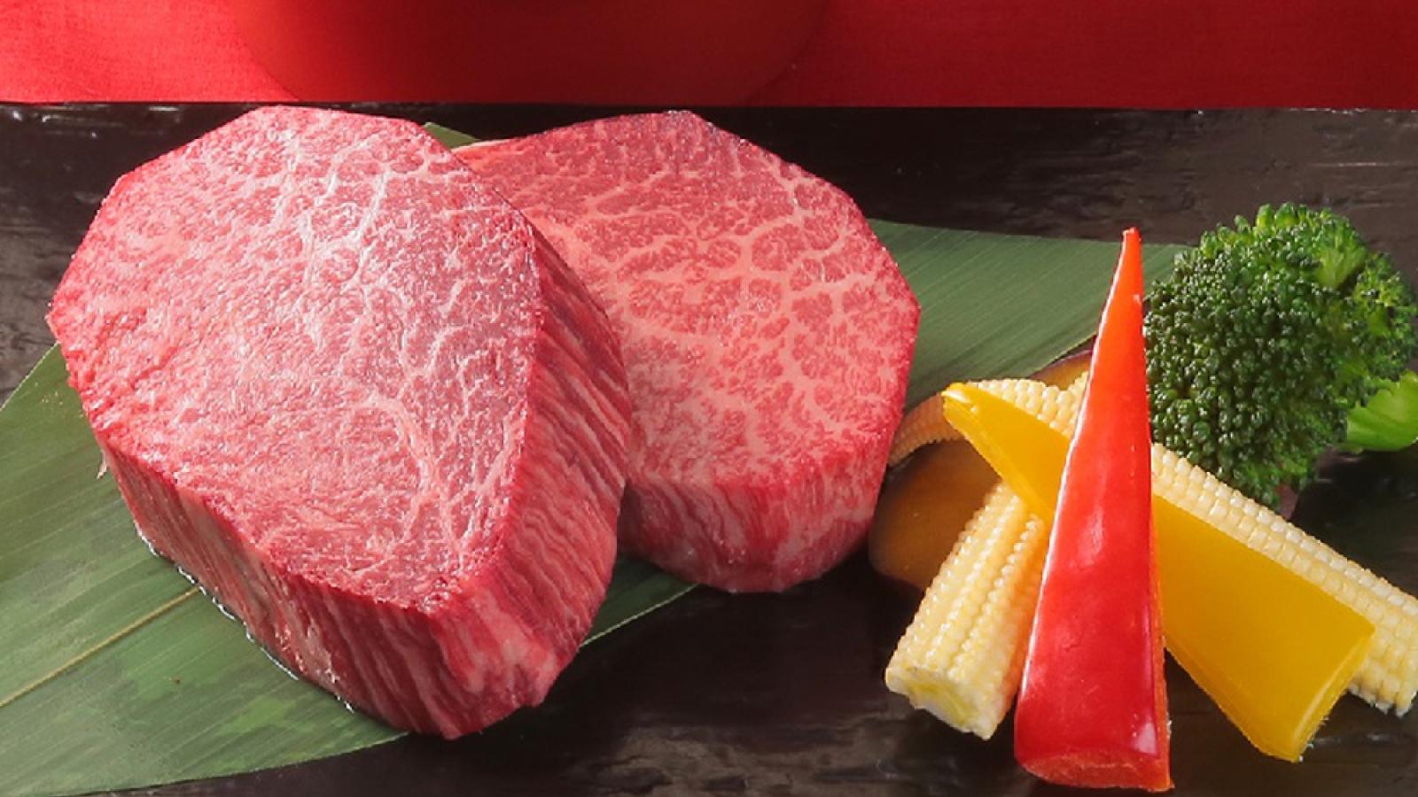 Tiết lộ giá trị trong miếng thịt bò Ozaki thượng hạng có giá đắt đỏ