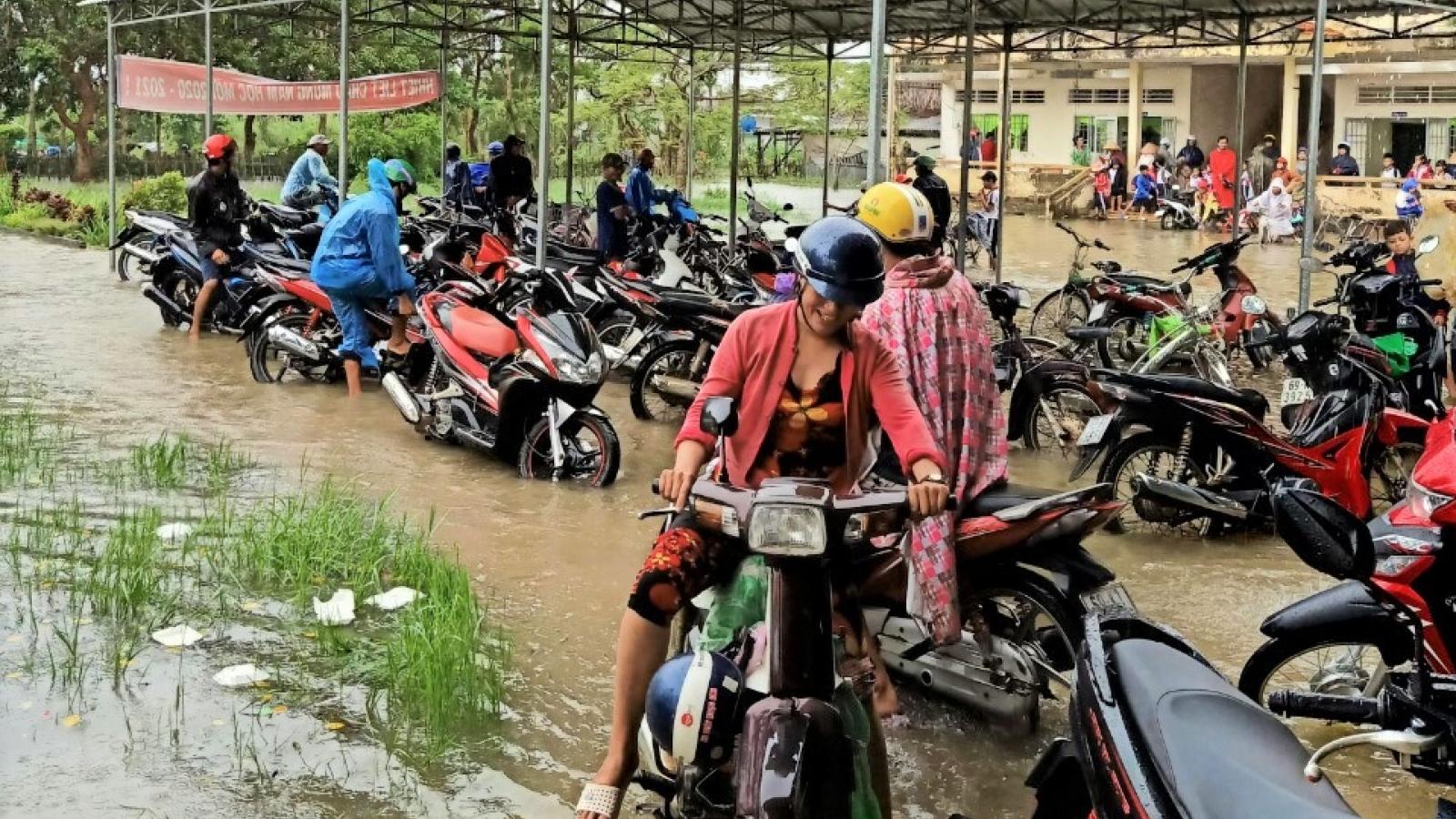 Ngập lụt ở Cà Mau tiếp tục diễn biến phức tạp