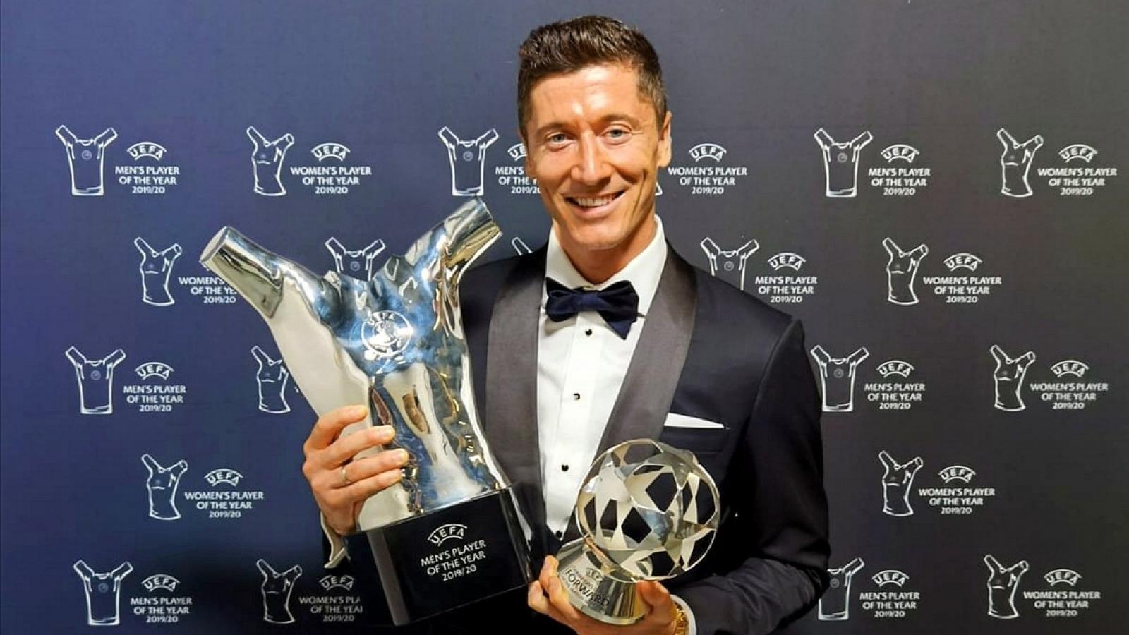 Robert Lewandowski nhận giải Cầu thủ hay nhất năm của UEFA