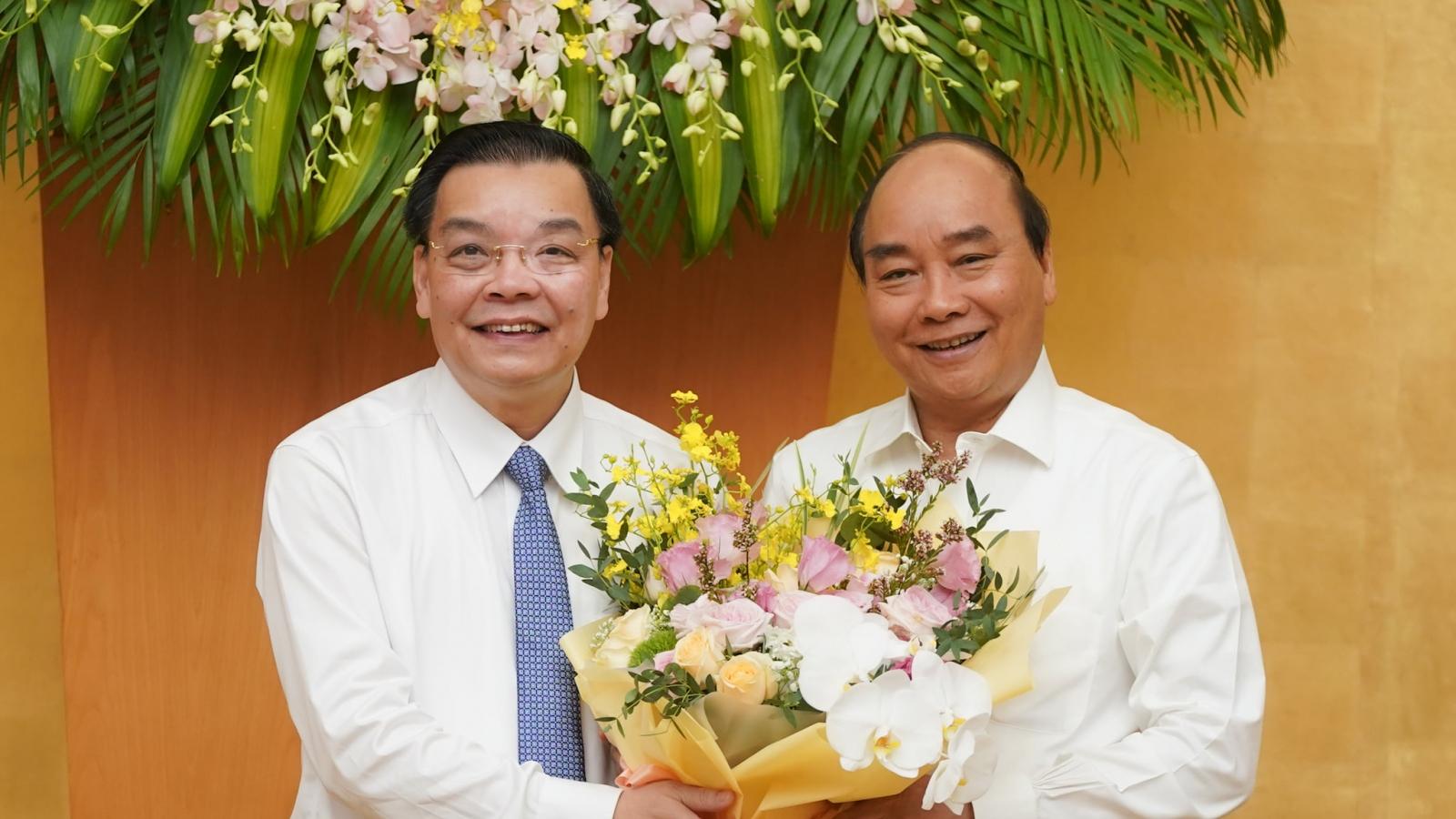 Thủ tướng chúc mừng tân Chủ tịch Hà Nội nhận nhiệm vụ mới