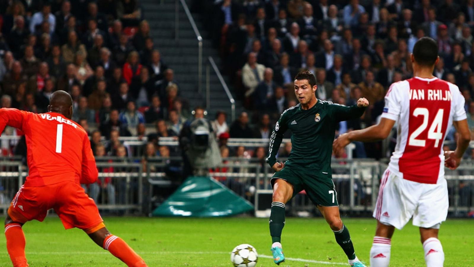 Ngày này năm xưa: Ronaldo lập hat-trick đầu tiên ở Champions League