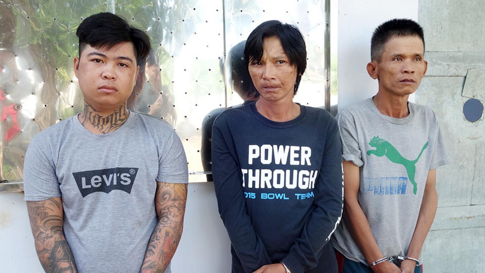 Cưỡng đoạt tài sản của khách hành hương, 3 đối tượng bị tạm giữ