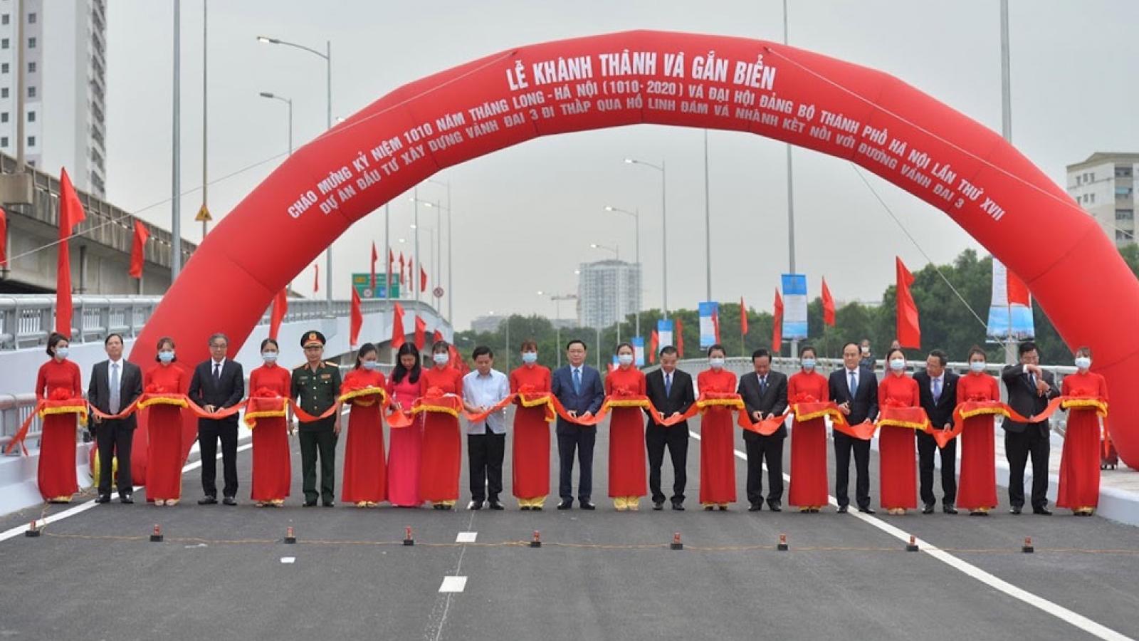 Hà Nội khánh thành đường vành đai 3 qua hồ Linh Đàm