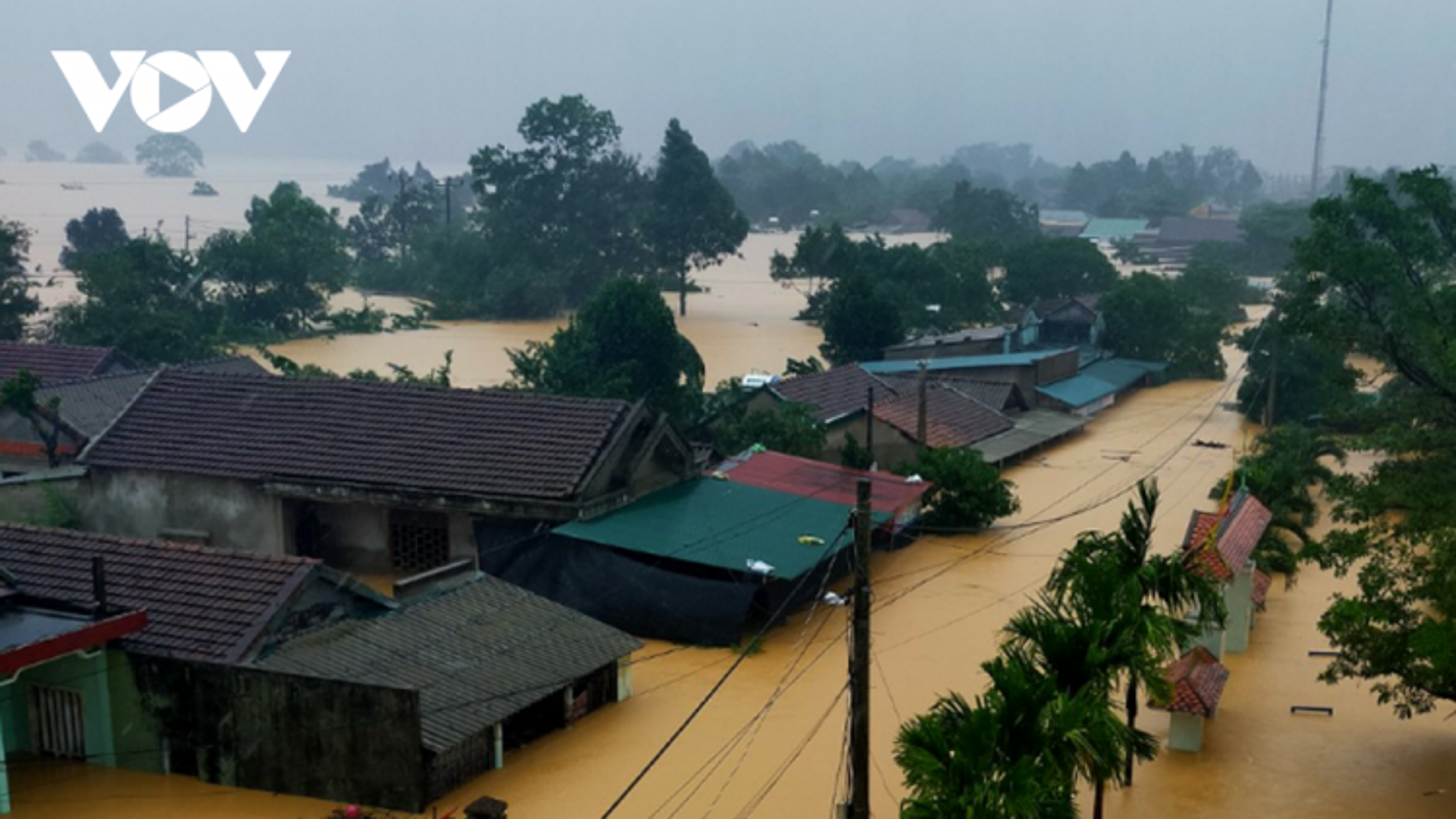 Bảo đảm an toàn công trình thủy lợi và phòng chống ngập lụt do ảnh hưởng bão số 8