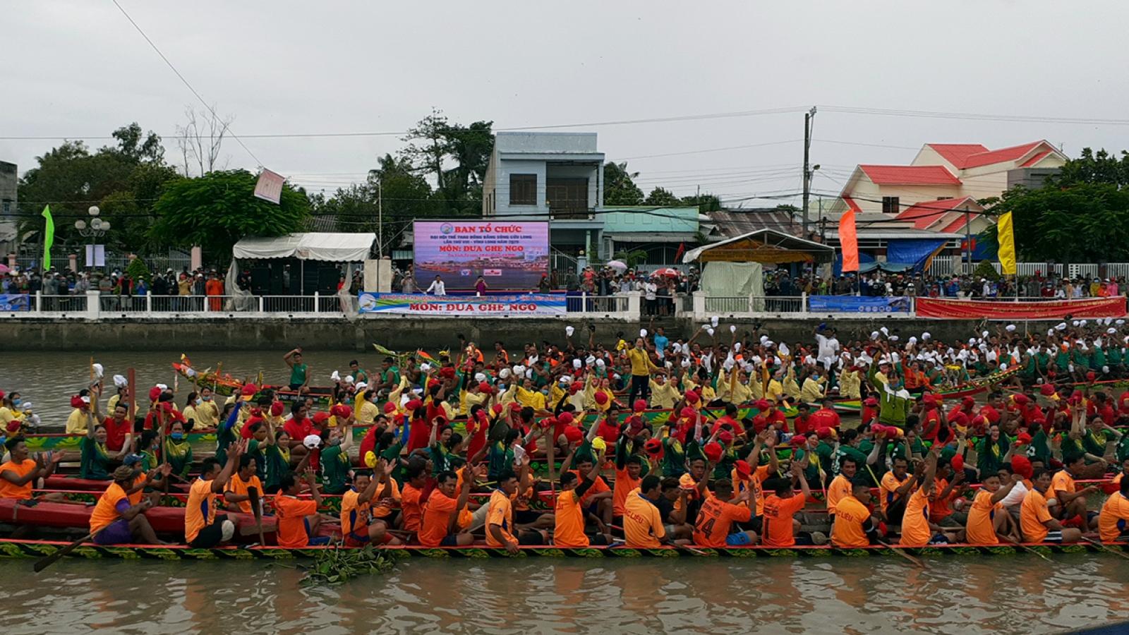 Các đội ghe Ngo Trà Vinhđã sẵn sàng cho cuộc đua