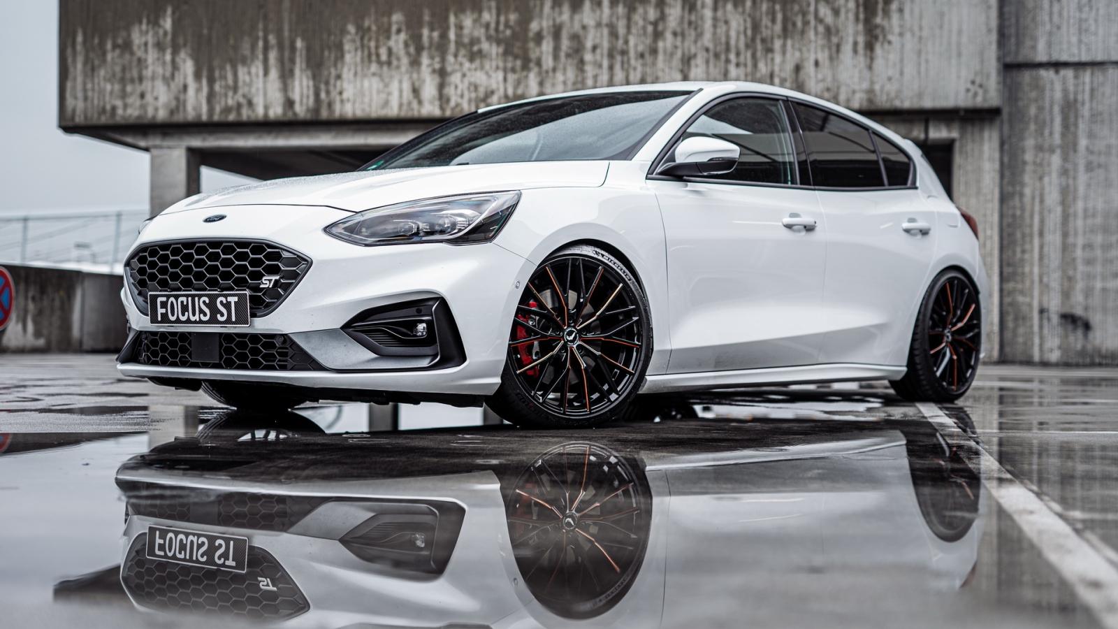 Ngắm nhìn phiên bản độ Ford Focus ST