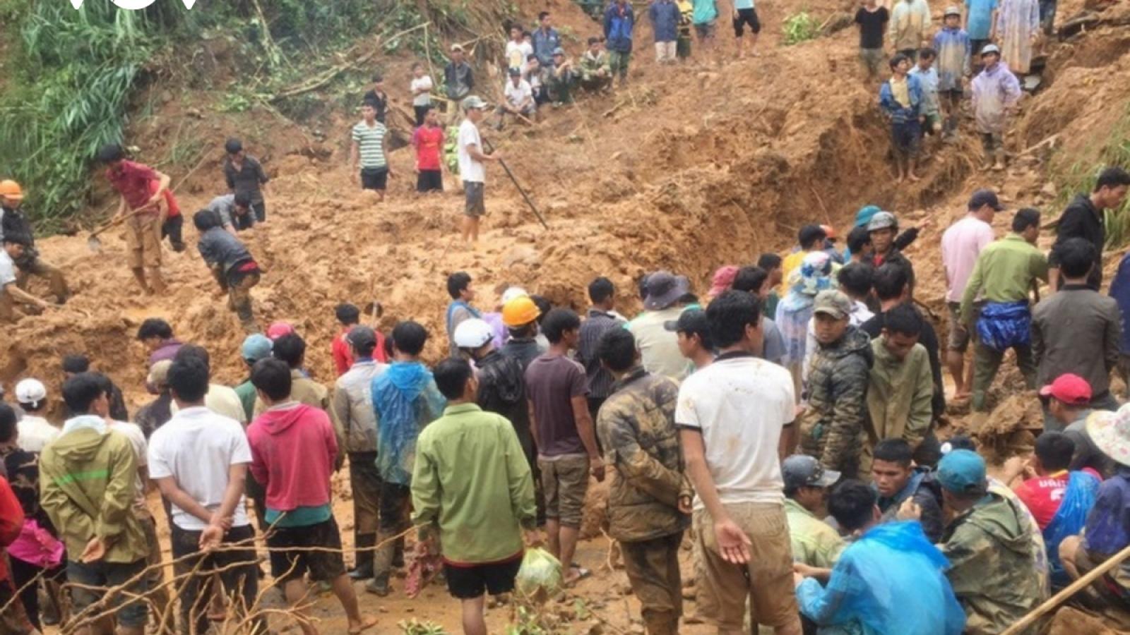 Số người chết do mưa lũ đã tăng lên 84, còn 38 người đang mất tích