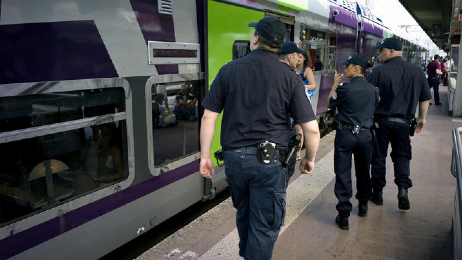 Ga đường sắt Lyon bị đe dọa đánh bom, Phápsơ tán khẩn cấp