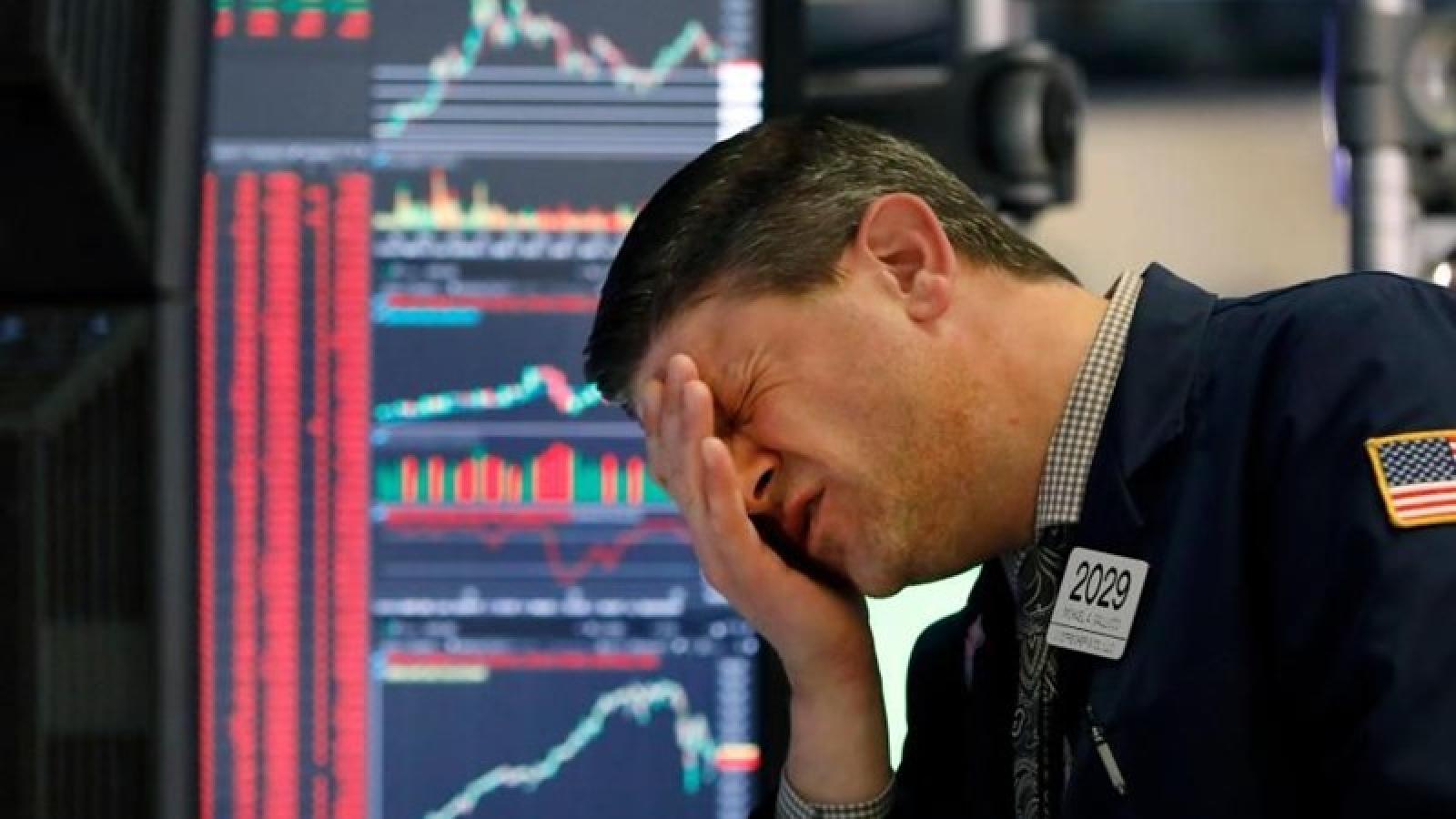 Thị trường chứng khoán Mỹ sụt giảm mạnh trong phiên giao dịch đầu tuần