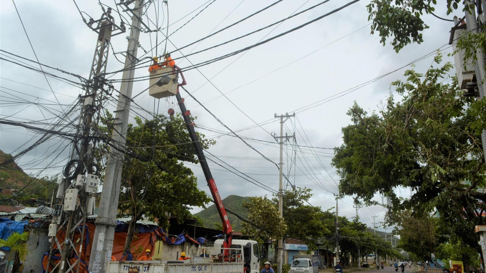 Bão số 9 gây mất điện gần 600 xã, phường tại các tỉnh miền Trung
