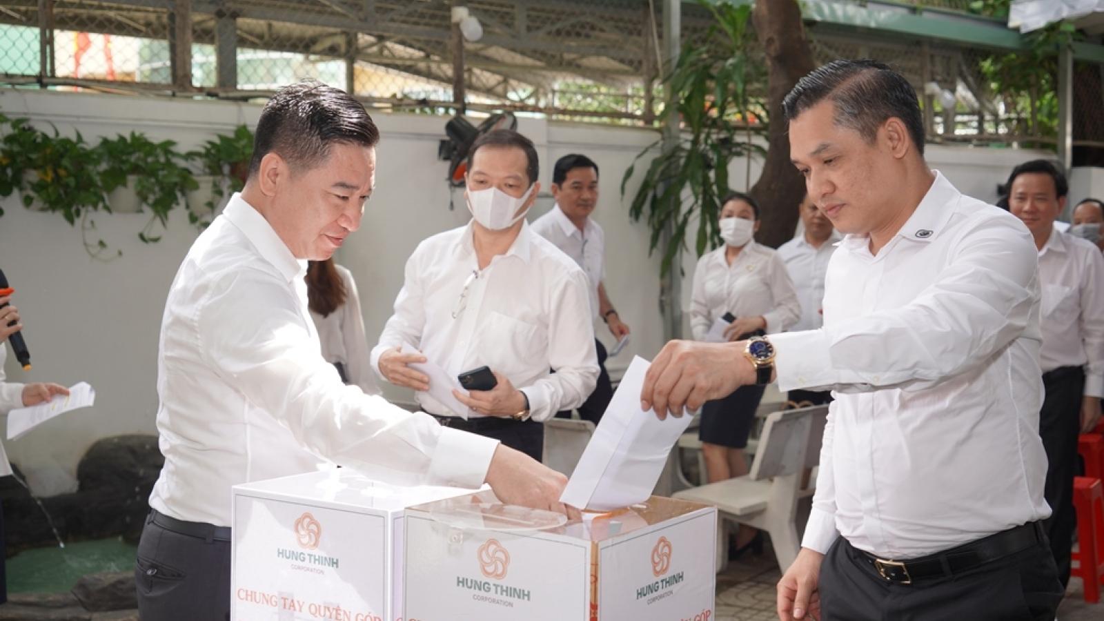 Tập đoàn Hưng Thịnh ủng hộ gần 5,3 tỷ đồng cho vùng lũ miền Trung