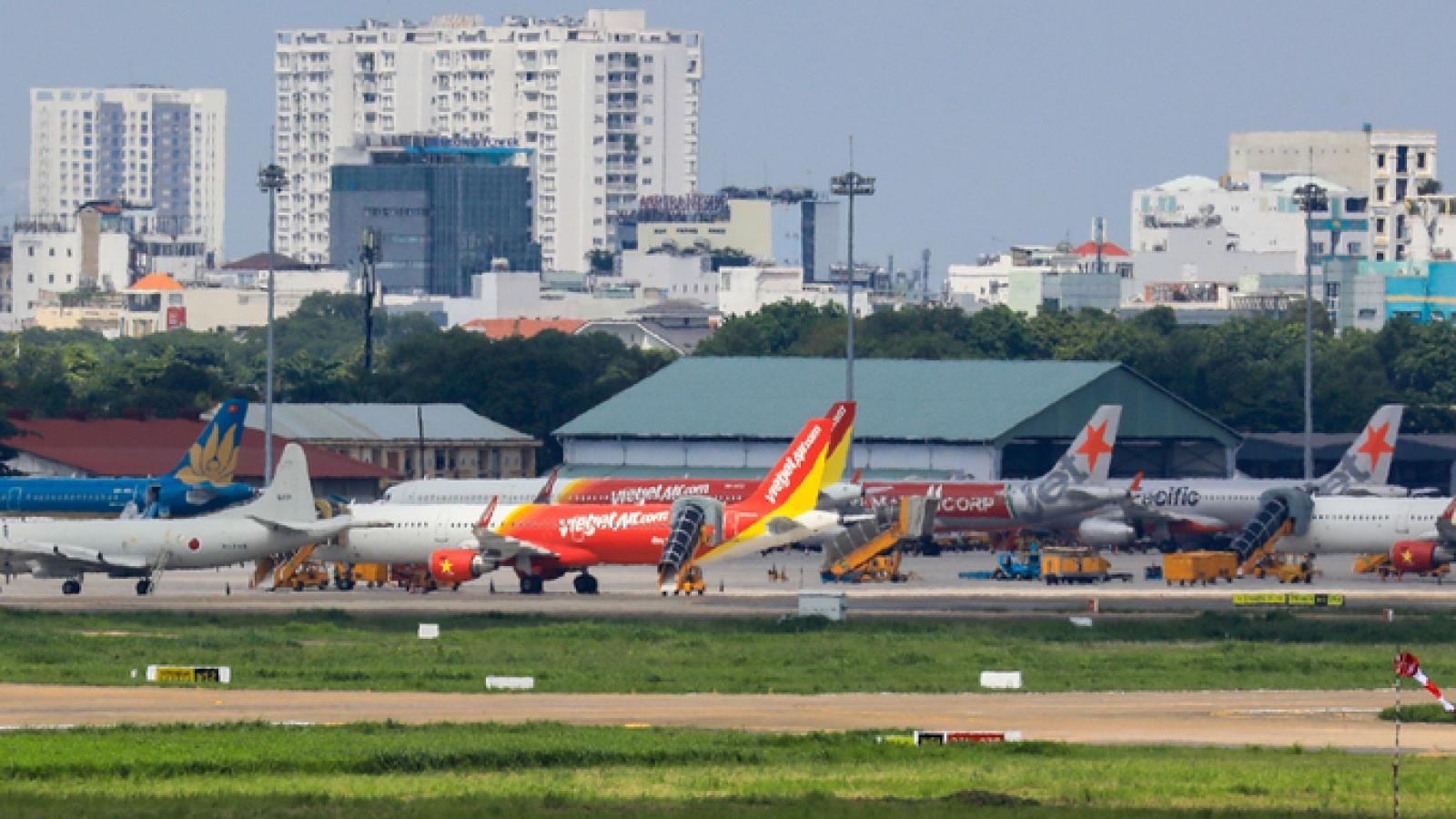 """Tạm """"đóng của"""" 5 sân bay ở miền Trung, Tây Nguyên do ảnh hưởng siêu bão số 9"""
