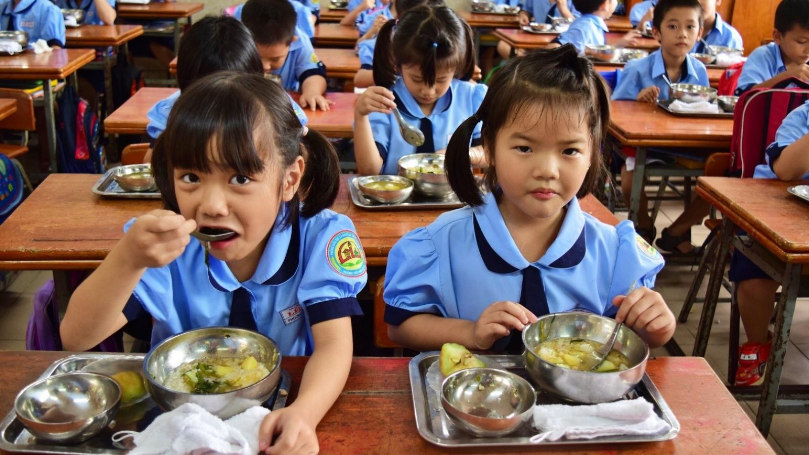 Nâng cao sức khỏe cho học sinh từ thực đơn cân bằng dinh dưỡng