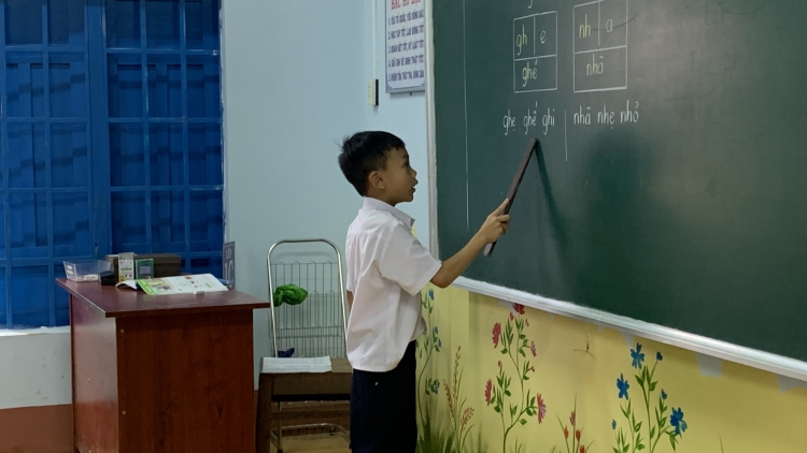 Chương trình giáo dục phổ thông mới khó chồng khó