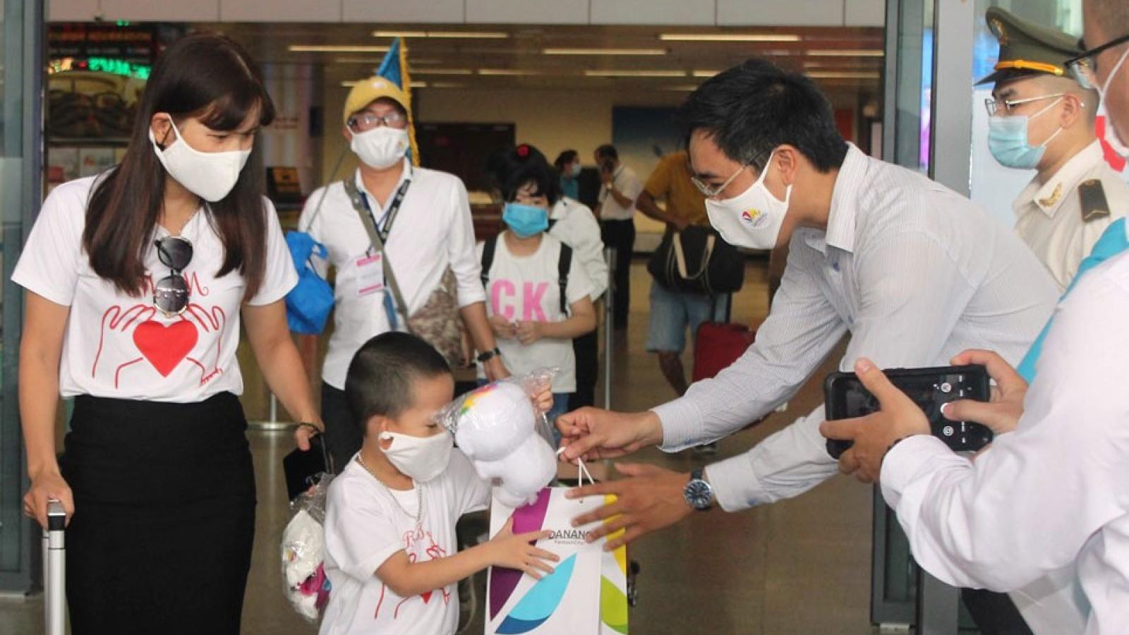Đà Nẵng đón những vị khách du lịch đầu tiên sau dịch Covid-19 lần 2
