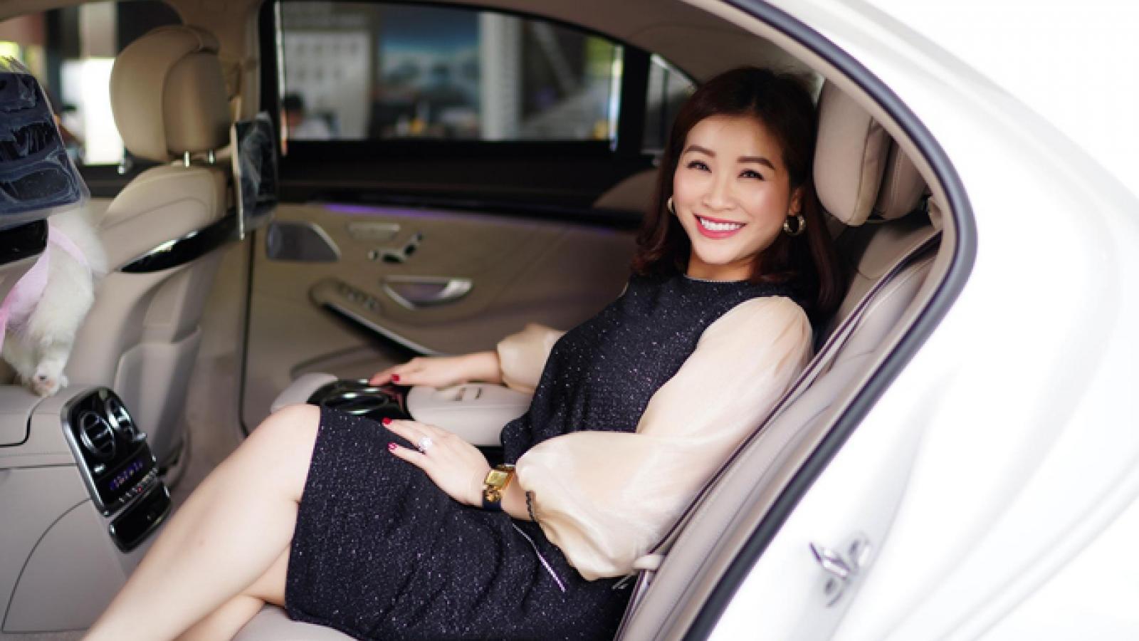 Lấy chồng hơn 20 tuổi, nữ danh hài được chồng tặng nhà lầu xe hơi bạc tỷ