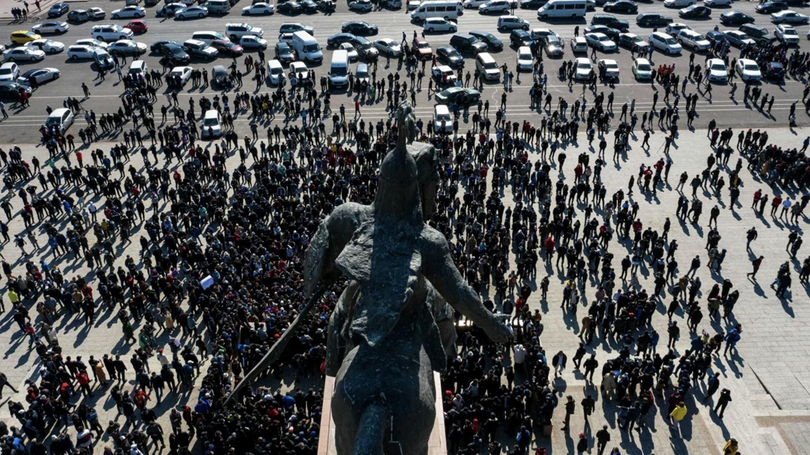 Đảo chính ở Kyrgyzstan thành điểm nóng, cộng đồng quốc tế vẫn đứng ngoài?