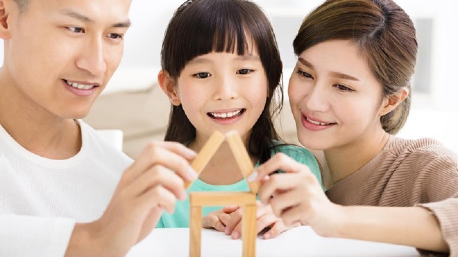 4 điều cha mẹ dễ dàng làm giúp con khôn lớn nên người