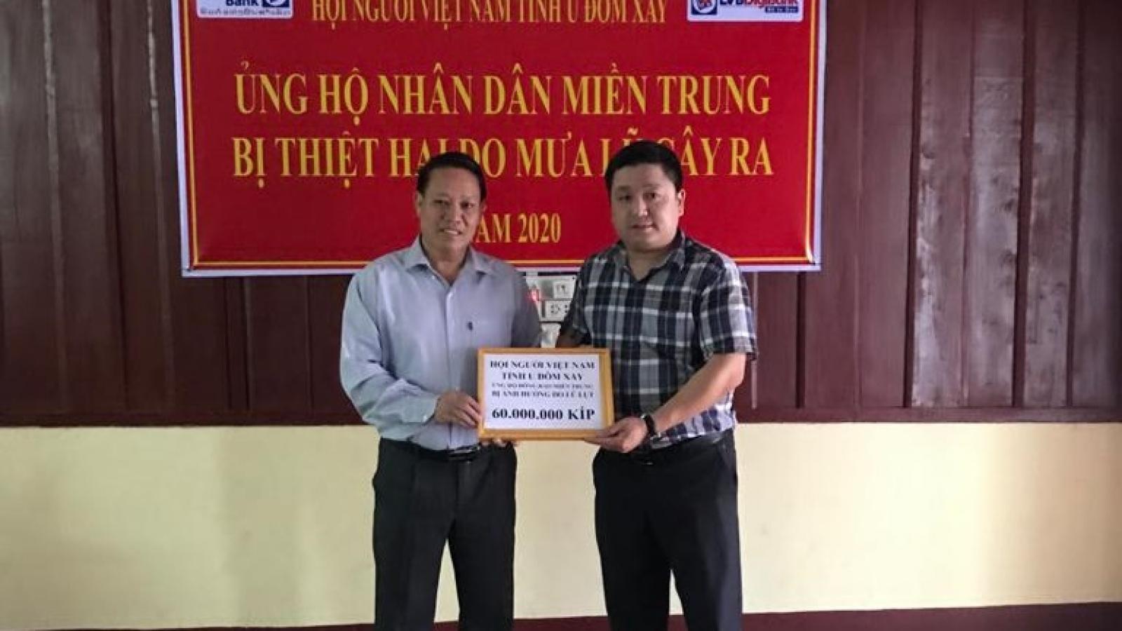 Cộng đồng người Việt Nam tại Bắc Lào ủng hộ đồng bào vùng lũ miền Trung