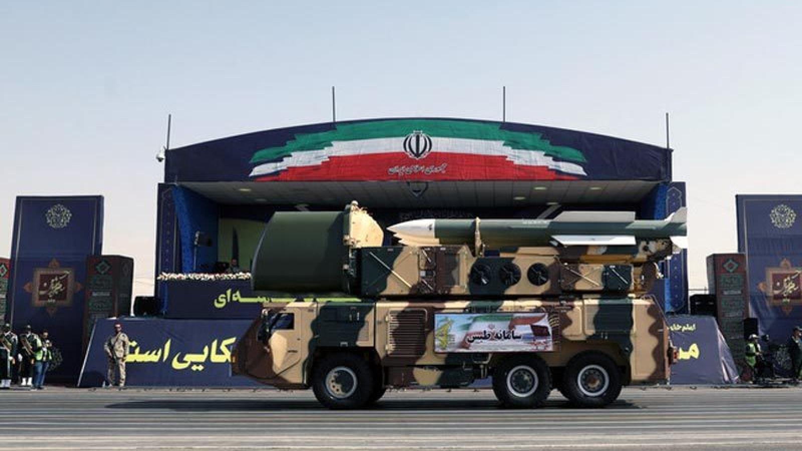 Iran vẫn đối mặt với rào cản lớn sau khi lệnh cấm vận vũ khí hết hiệu lực