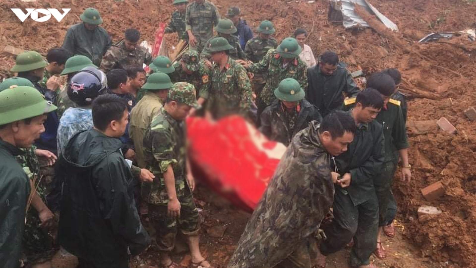 Một đoàn cứu hộ lại bị lũ cuốn ở Quảng Trị, 1 công an thiệt mạng và 4 cán bộ mất tích