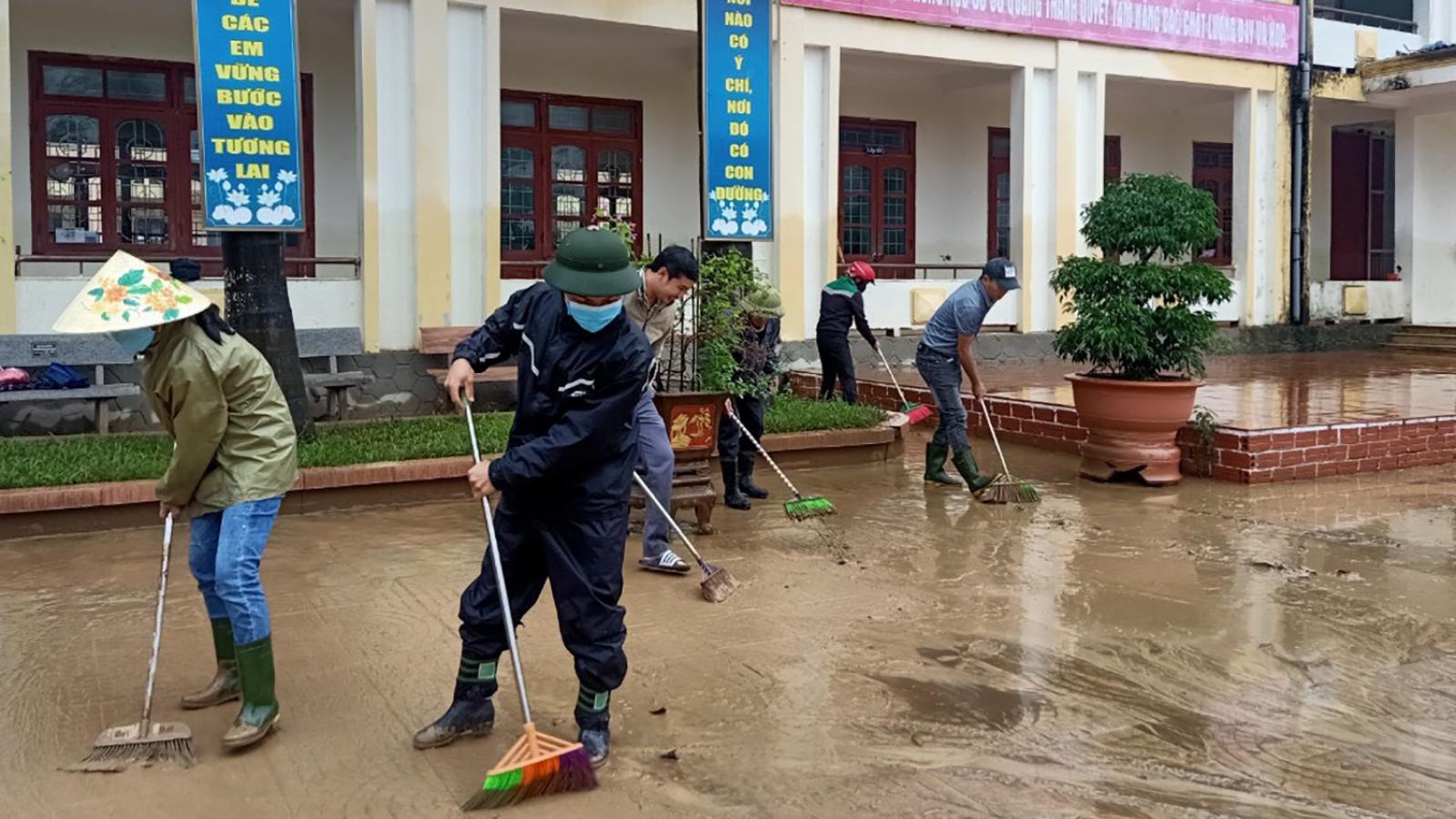 Sư đoàn 324 đưa quân vào Quảng Bình giúp dân khắc phục hậu quả mưa lũ