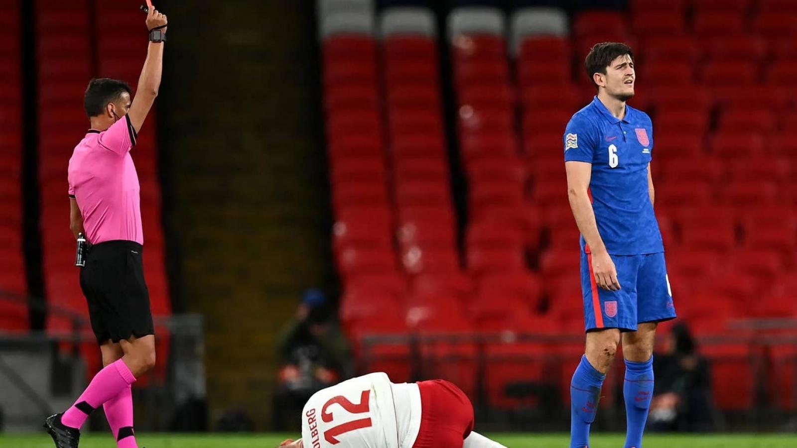 Harry Maguire nhận thẻ đỏ, Anh thua Đan Mạch ngay trên sân nhà