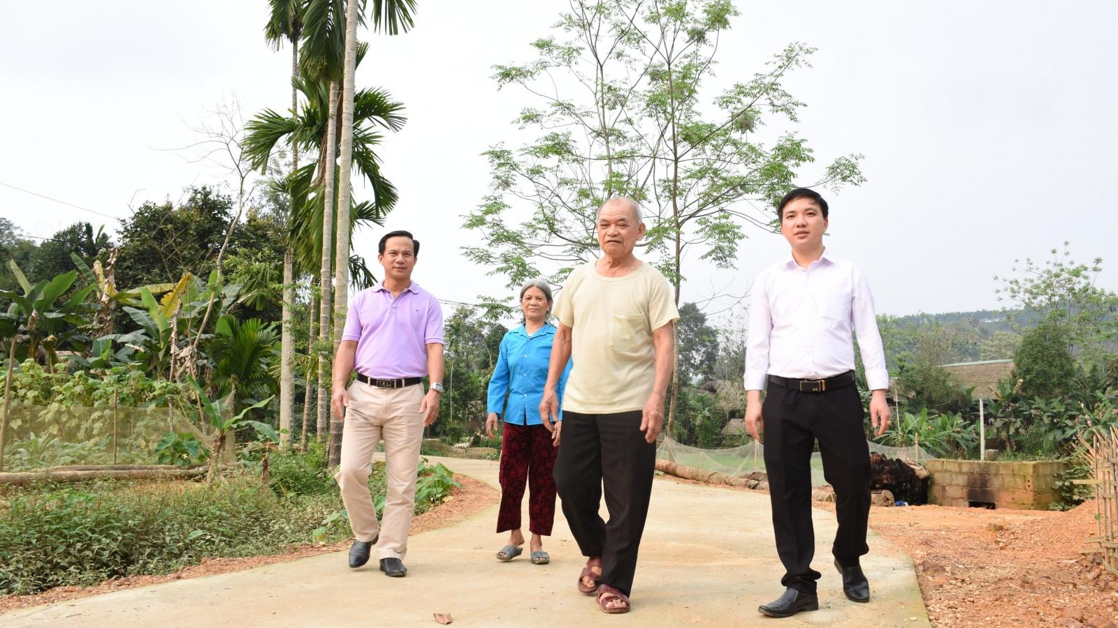 Người dân vùng cao Yên Bái hiến đất, góp công mở rộng đường nông thôn