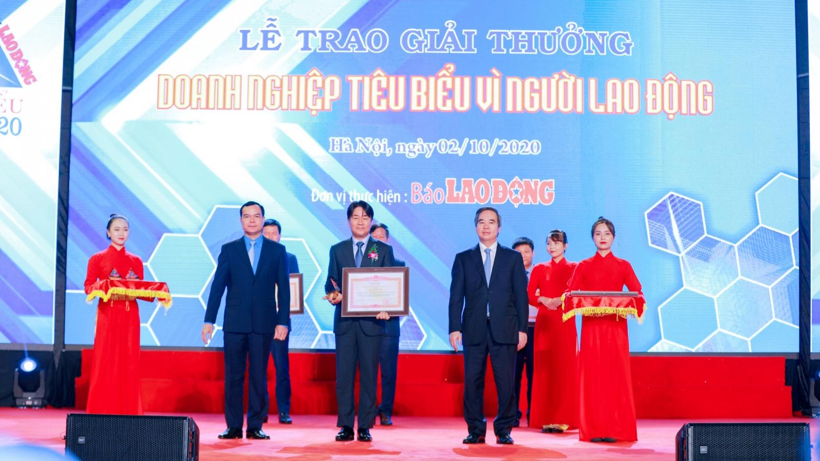 """Samsung nhận bằng khen của Thủ tướng Chính phủ """"Doanh nghiệp tiêu biểu vì người lao động"""""""