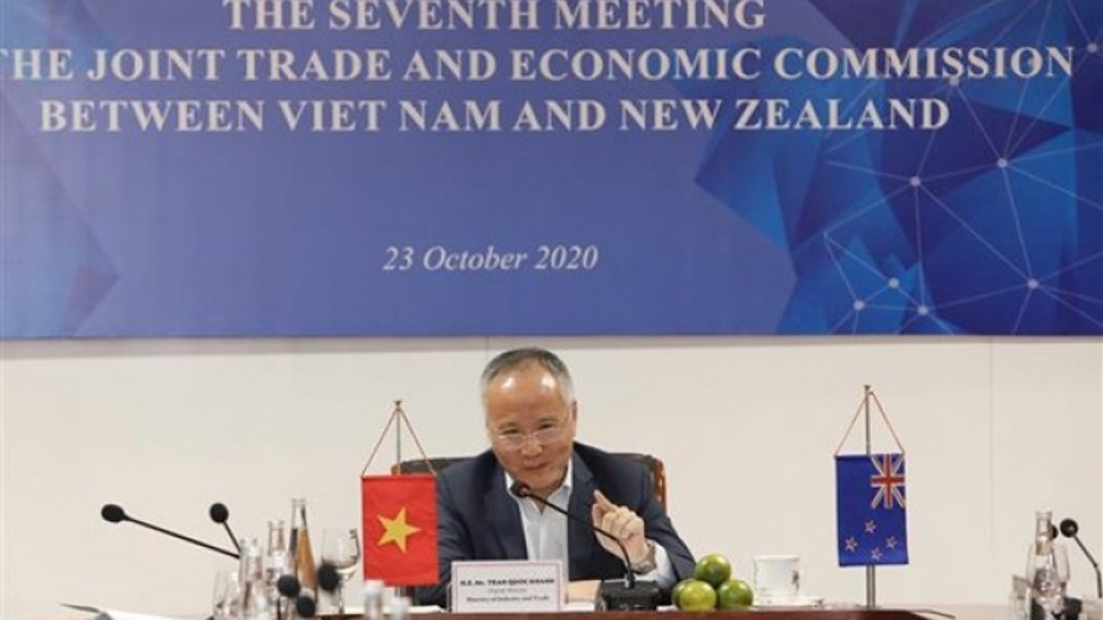 Vietnam, New Zealand examine ways to foster trade and economic links