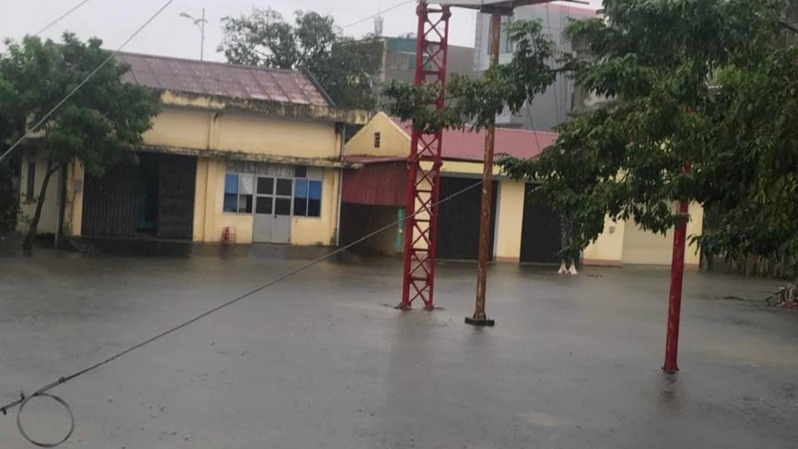 Nước lũ dâng cao đe dọa an toàn Đài Phát sóng khu vực Bắc Trung Bộ