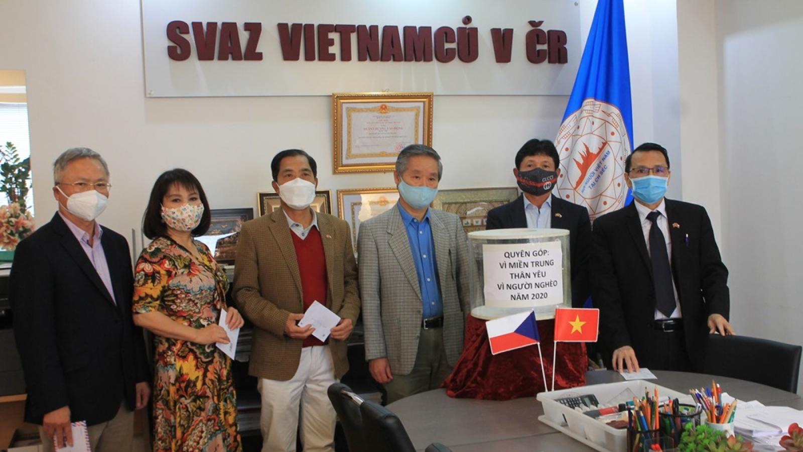 Hội người Việt Nam tại Séc phát động gây quỹ ủng hộ đồng bào miền Trung