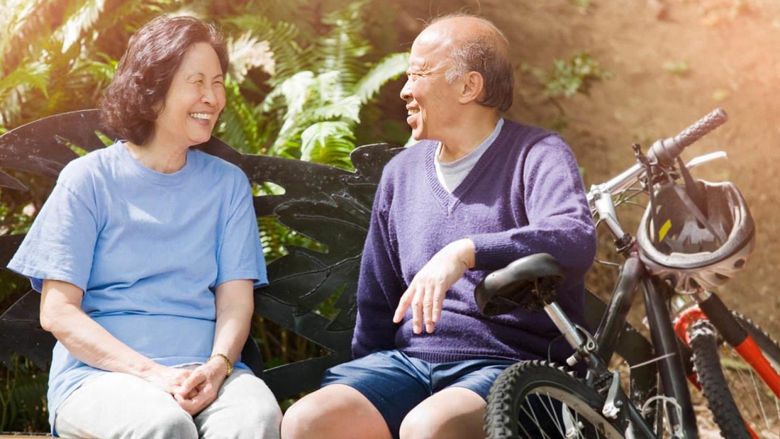 """Người già thường nói: """"Giá như"""" khi nghĩ về 7 điều hối tiếc nhất trong đời"""