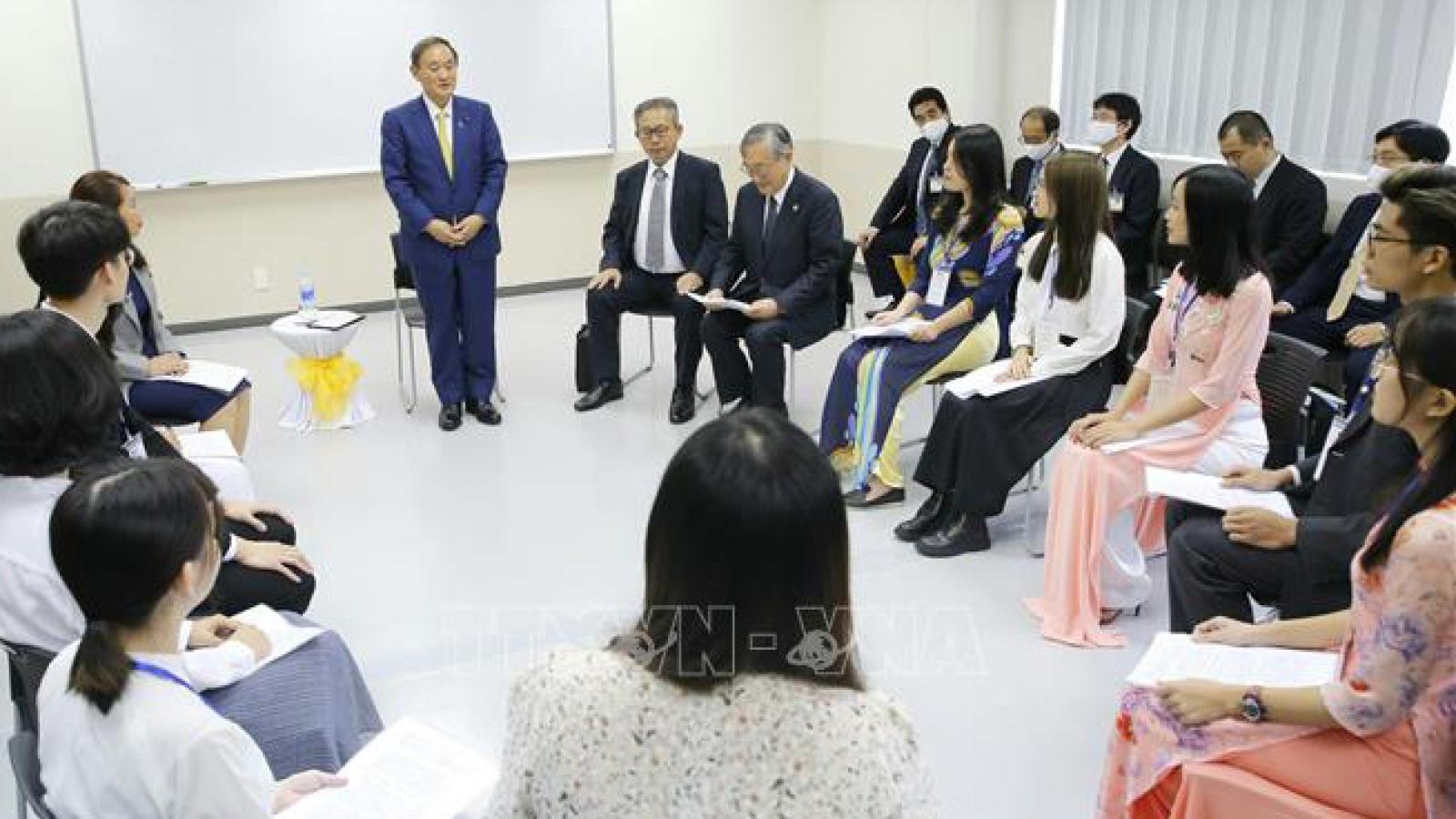 Thủ tướng Nhật Bản diễn thuyết về chính sách ngoại giao với sinh viên tại Việt Nam
