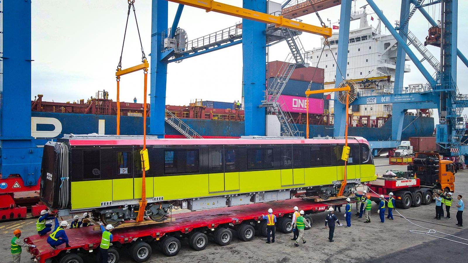 Bốn đoàn tàu Nhổn - Ga Hà Nội bắt đầu hành trình từ Hải Phòng về Hà Nội